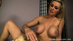 Teagan Summers asked her to teach her how to satisfy her boyfriend
