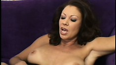 Insatiable MILF loves to have her pussy wrecked by a muscular dude