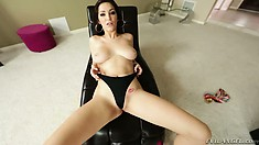 Risly chick with nice bubble ass Holly Michaels is pricked by Kevin Moore