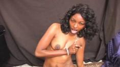 Stacked caramel chick Denea enjoys outstanding pleasure on the sybian