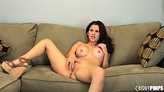Masturbation obsession takes over the mind of poor calic Vanessa Veracruz LIVE