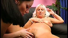 Brunette Gets A Lesson In How To Eat Pussy From An Old Blonde