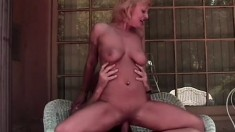 Stacked blonde cougar Xandria seduces her neighbor and he drills her fiery peach