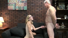 Teen Young Girl Blowjob With A Tattoed Guy