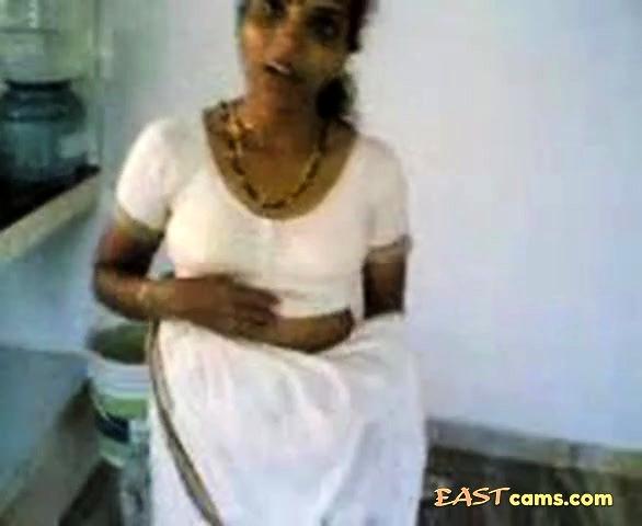 Tamil sex videa roztomilý chlapec s veľký penis