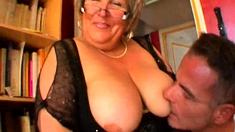 French mature BBW Carole analfucked